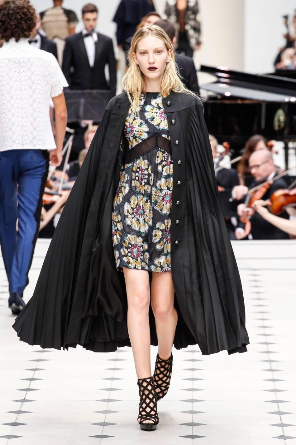 6aa2b465489ce3 Fashion Week de Londres   le défilé Burberry Prorsum en direct sur ...