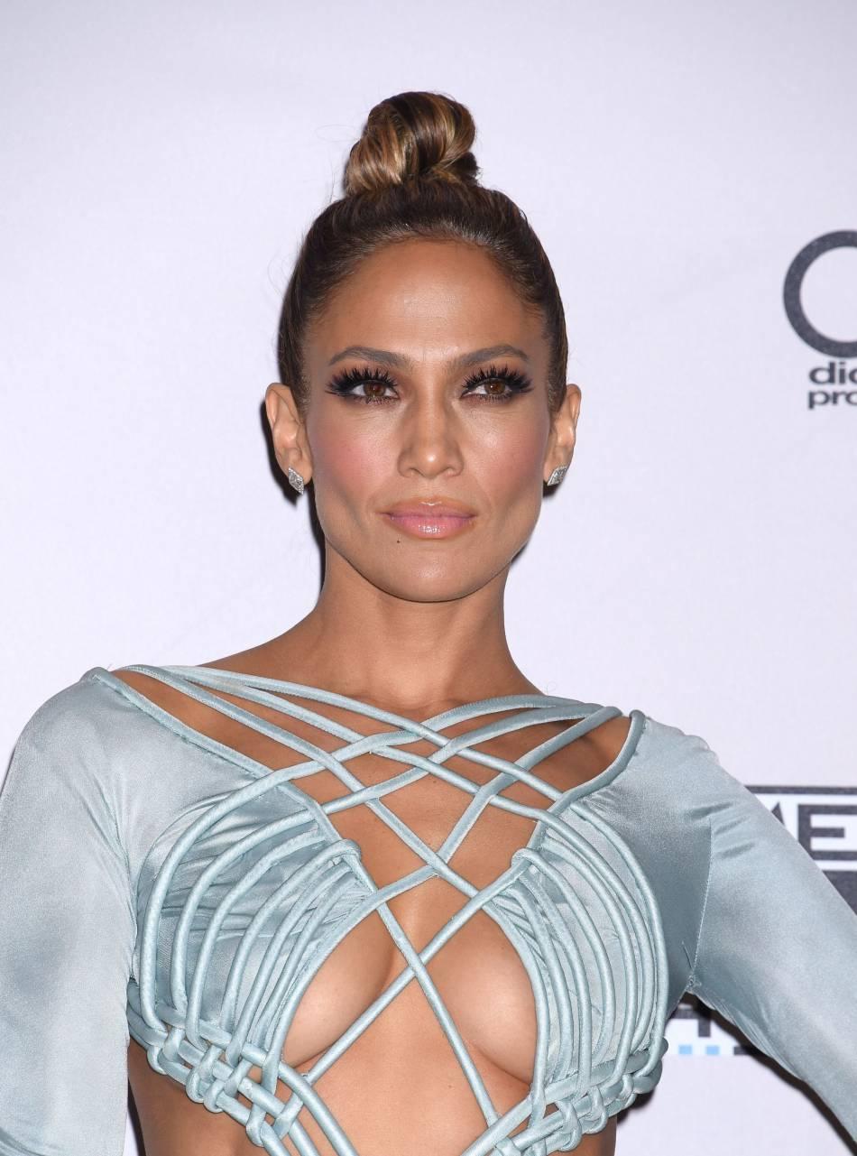 Jennifer Lopez s'affiche au naturel sur les réseaux sociaux.