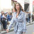 Christina Pitanguy opte pour un modèle pyjama pimpé avec des chaussures plateforme.