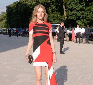 """Natalia Vodianova, hôte de la soirée """"Love Ball"""", arrive à la Fondation Louis Vuitton."""