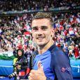 Héro national, meilleur butteur de l'équipe de France, Grizou nous présente son frère !