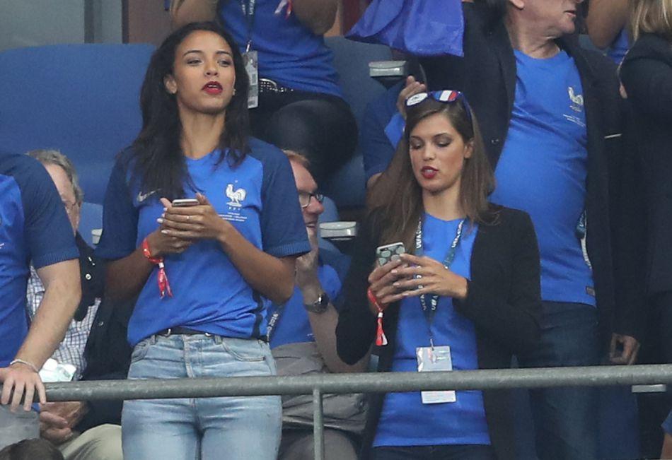 Iris Mittenaere et Flora Coquerel avaient fait mouche lors du match France-Islande.