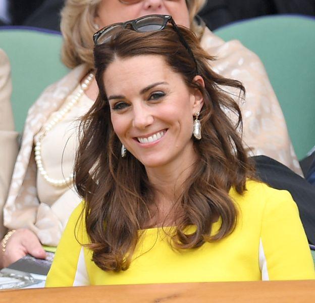 Kate Middleton ne quitte plus ses boucles d'oreilles Soru.