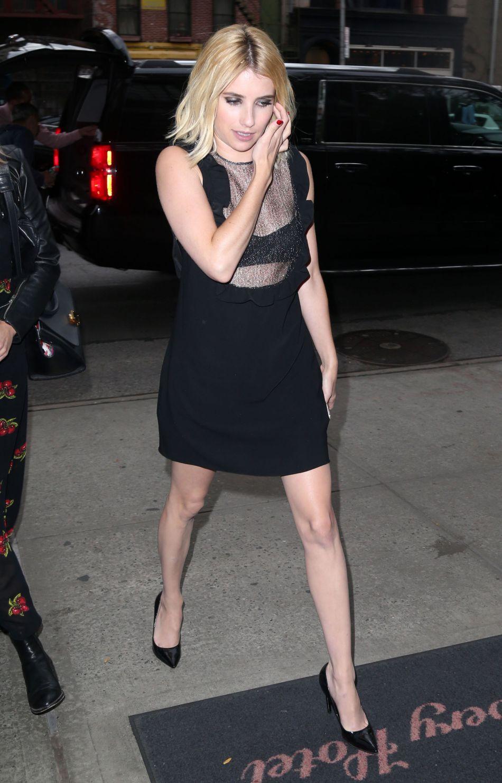 """Emma Roberts est aussi élégante que sexy pour la promotion du thriller """"Nerve""""."""