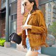 Kendall semble adorer la veste à franges puisqu'elle l'a déjà porté cette semaine.
