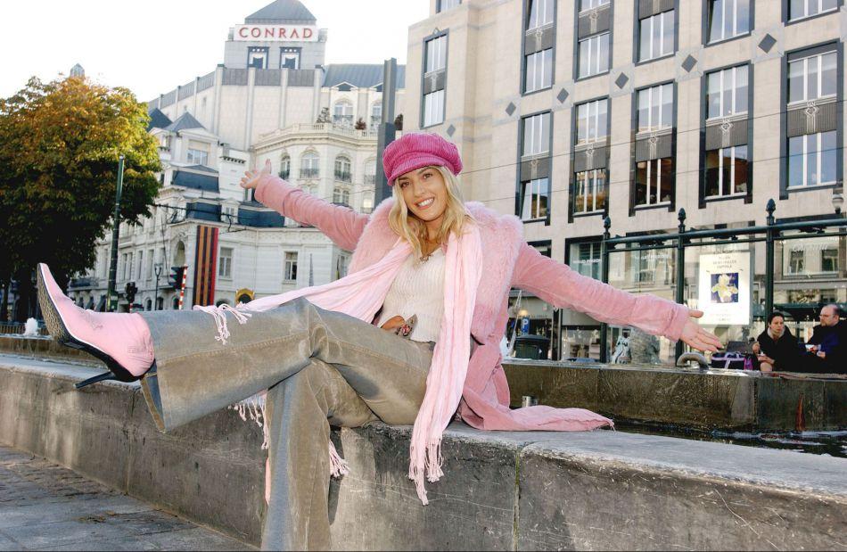 Eva Angeli ose la gravroche rose.