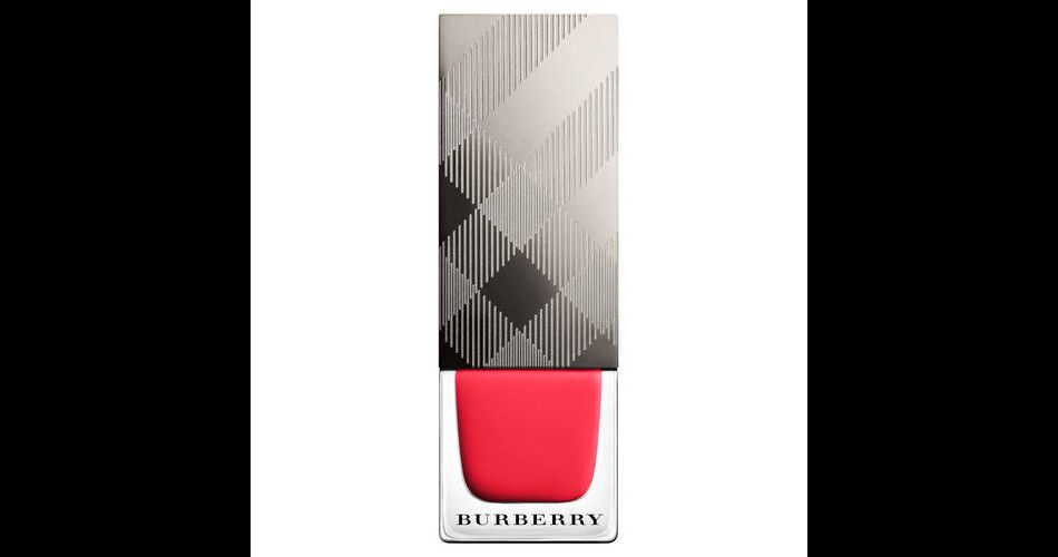 Teinte Bright Coral Red, Burberry, 20,95€.
