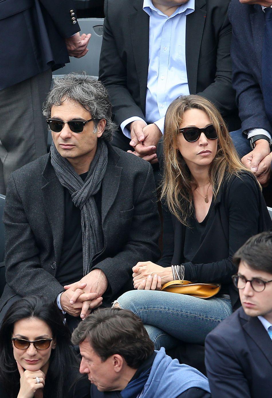 Laura Smet et son compagnon Raphaël vivent une idylle parfaite.
