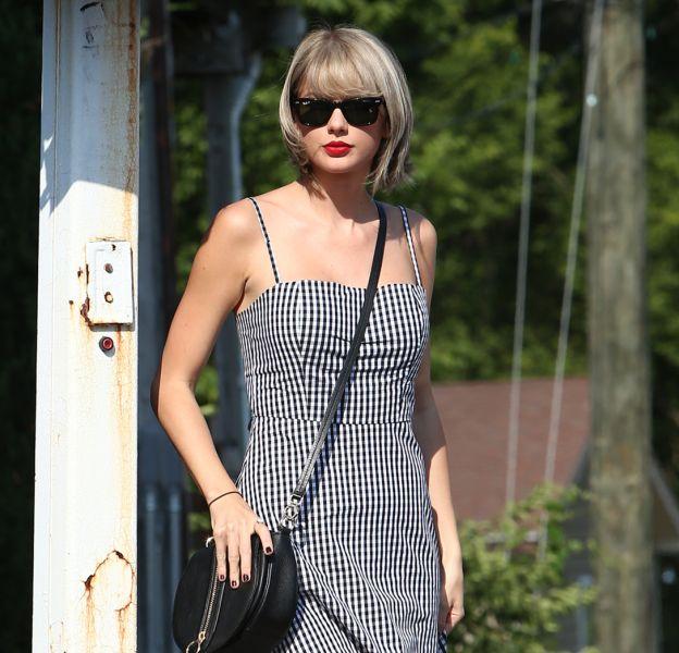 """Taylor Swift est en pleine tempête médiatique. Une vidéo d'elle approuvant les paroles du tube """"Famous"""" de Kanye West a été dévoilée par Kim Kardashian."""