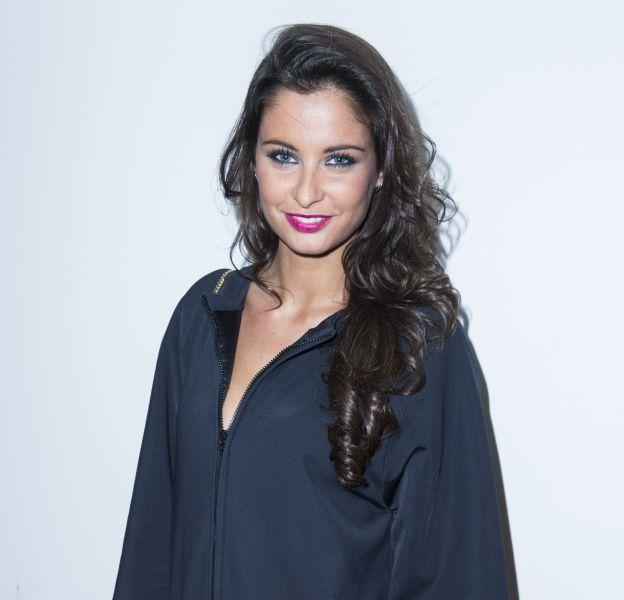 Malika Ménard dévoile un nouveau look très coloré sur son blog.