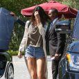 Kendall Jenner mise sur un short culotte à LA.