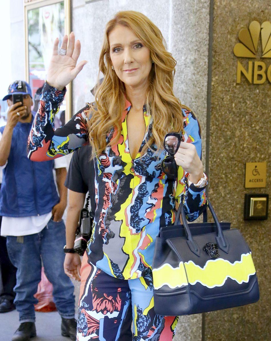 Céline Dion a annoncé que cet opus sera composé de chansons lumineuses.