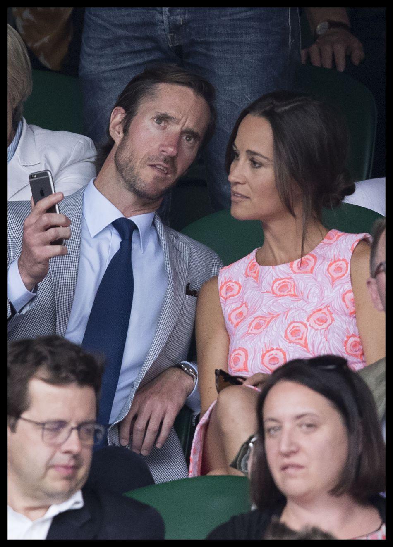 Ce week-end, Pippa Middleton s'est fiancée : sa bague est également plus chère que celle de sa grande soeur.