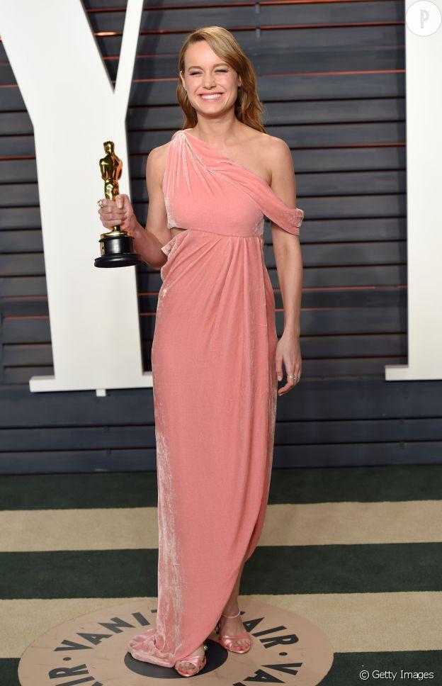 Cette robe rose signée Monse met parfaitement l'actrice Brie Larson en valeur.