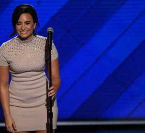 """Demi Lovato est montée sur scène pour chanter son tube """"Confident""""."""