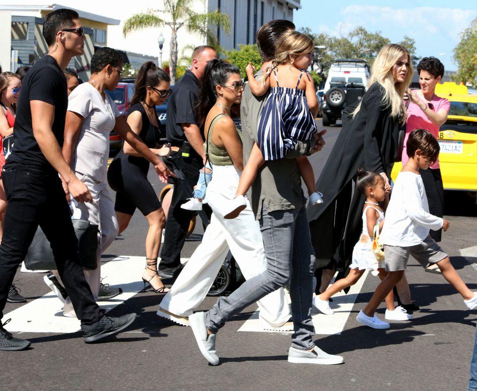 Tout le clan Kardashian était réuni pour célébrer l'anniversaire de leur grand-mère, Mary Jo.