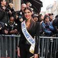 La Miss France a été opérée de la clavicule et doit se reposer.