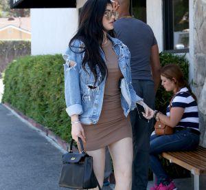 Kylie Jenner : sa poitrine XXL dans un top moulant est-elle naturelle ?