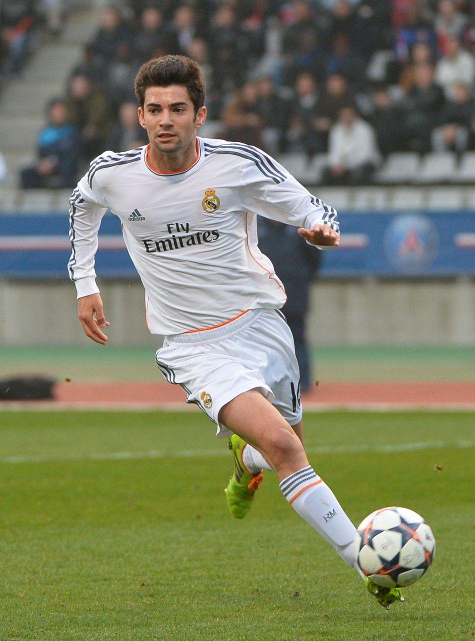 Enzo Zidane est le milieu de terrain de l'équipe de réserve du Real Madrid.