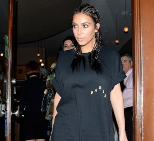 Kim Kardashian : tenue osée dans les rues de Los Angeles