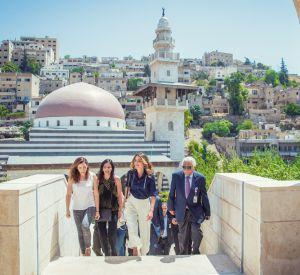 Rania de Jordanie, en visiste à Amman, pour assister aux préparatifs de la Design Week.