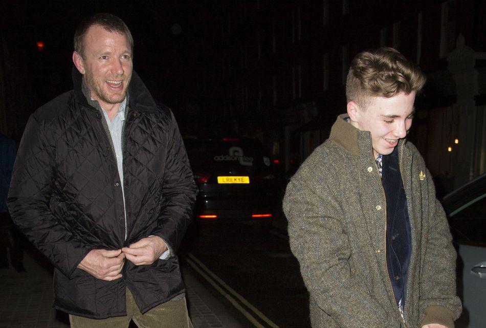 Rocco a été confié à son père, le réalisateur Guy Ritchie.