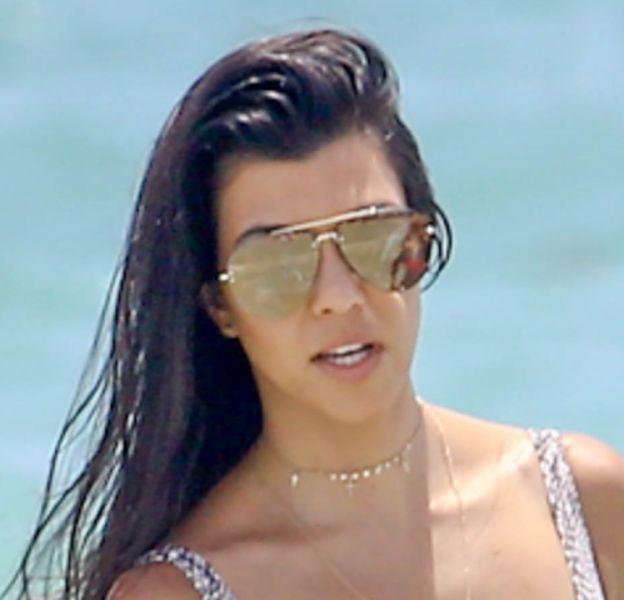 Plus sexy que jamais, Kourtney Kardashian enchaîne les apparitions incendiaires en bikini...