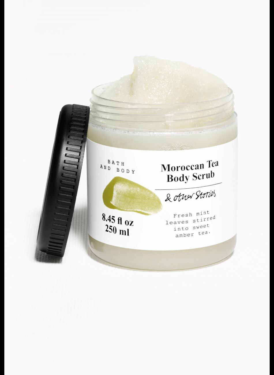 Gommage Moroccan Tea Body Scrub, &Other Stories, 9€.