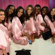 En backstage, les mannequins Victoria's Secret dévoilent leur beauté naturelle.