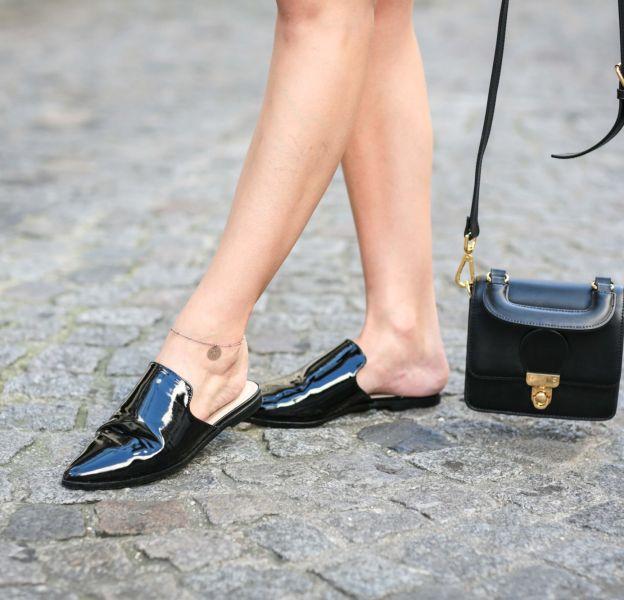 Mules : comment porter ces chaussures de caractère ? Puretrend