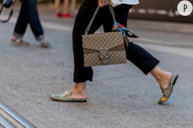 """Les marques de luxe ont lancé des mules très """"in""""."""