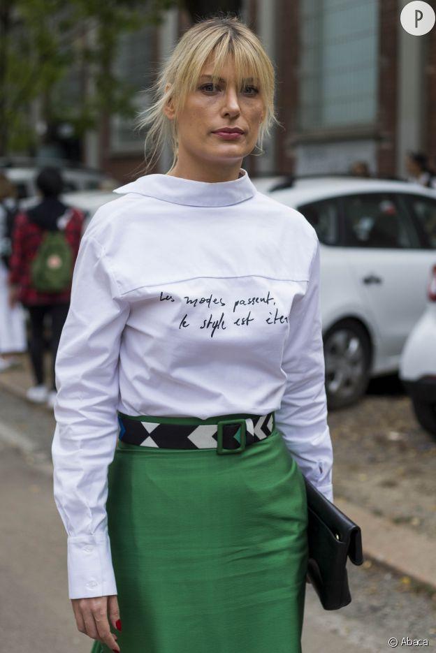 La chemise blanche est un indispensable du dressing.