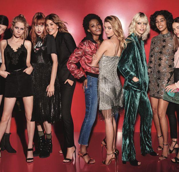 Le gang de filles Topshop est à la pointe de la mode.