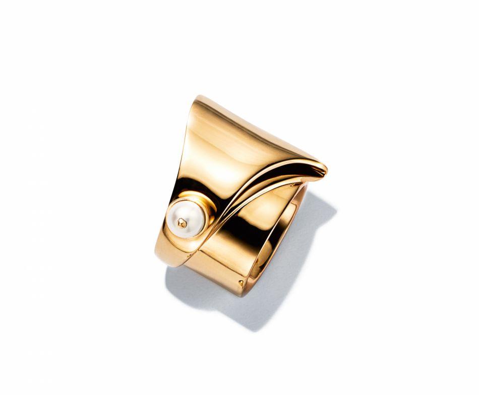 Bague Tiffany & Co x Eddie Borgo en or jaune et perle.