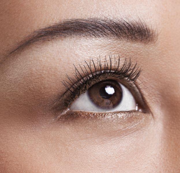 5 idées pour maquiller les yeux marron cet hiver.
