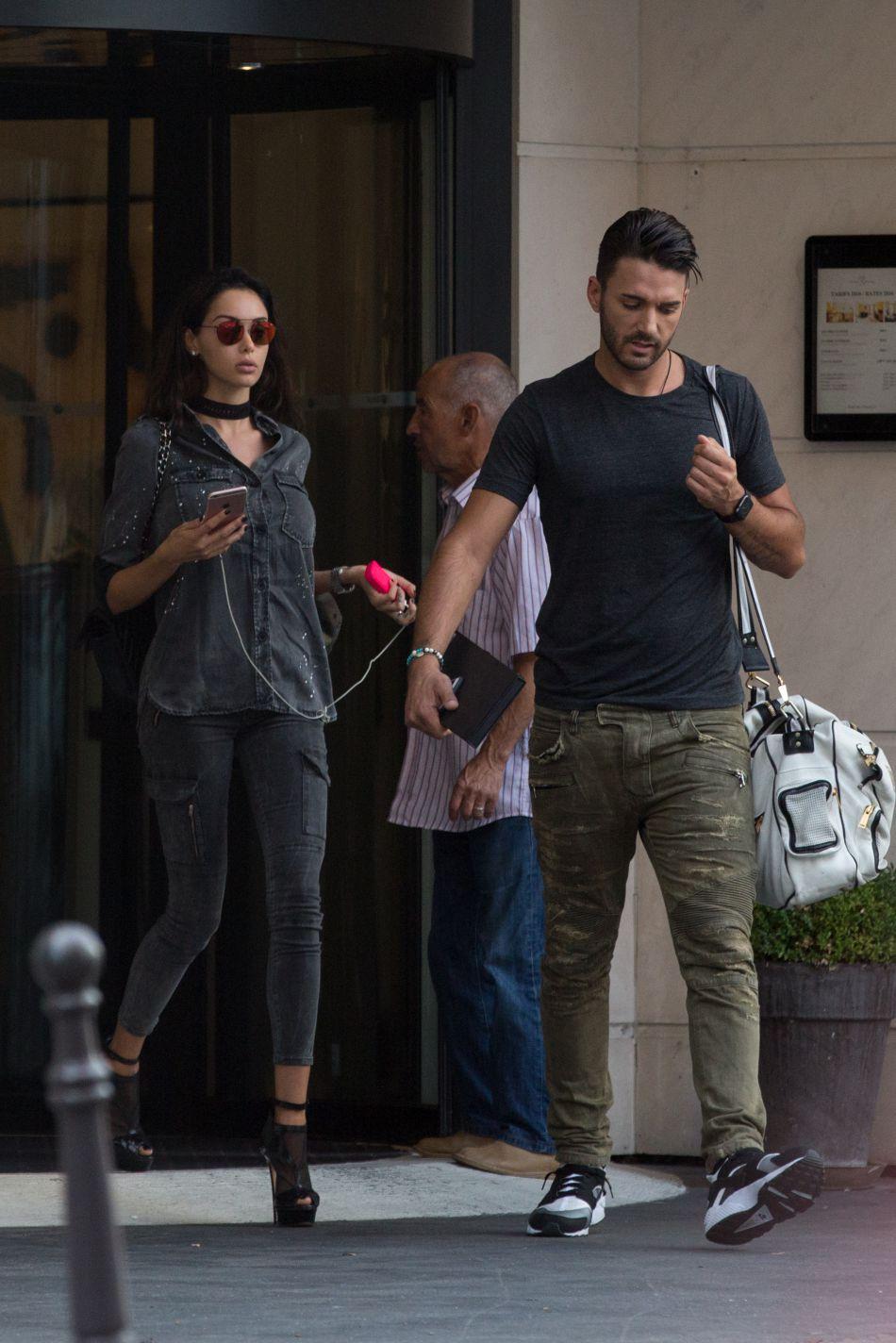 L'ex-star de la téléréalité annonce la sortie de sa collection de vêtements.