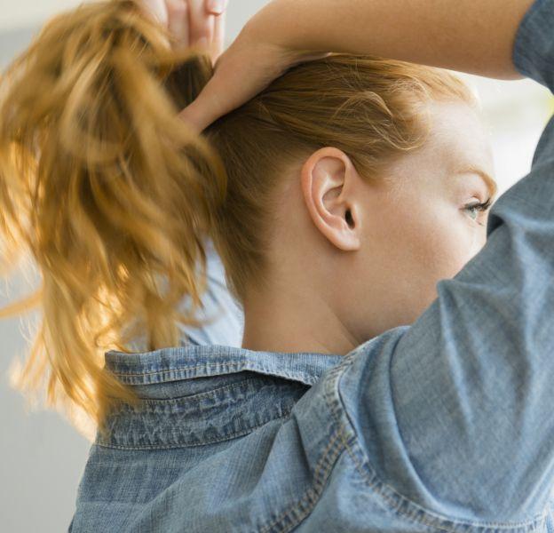 10 coiffures pour les cheveux mi-longs
