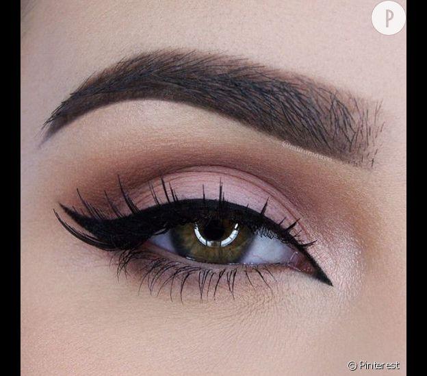 Maquillage yeux rose - Make up yeux bleu ...