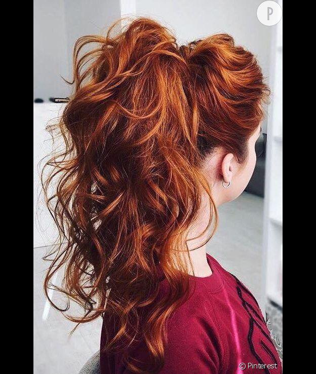 Assez 3 coiffures inratables pour les cheveux bouclés WZ89