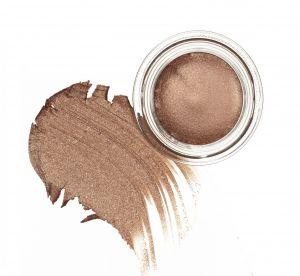 Maquillage des yeux : comment adopter le bronze sans se louper