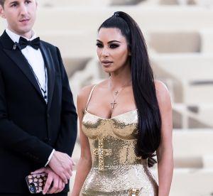Kim Kardashian : sa nouvelle couleur, parfaite pour oser le bleu discrètement