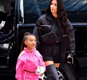 Kim Kardashian lisse les cheveux de North West, 5 ans, et scandalise la Toile