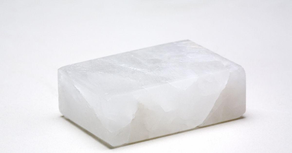 les d odorants la pierre d 39 alun sont ils dangereux puretrend. Black Bedroom Furniture Sets. Home Design Ideas