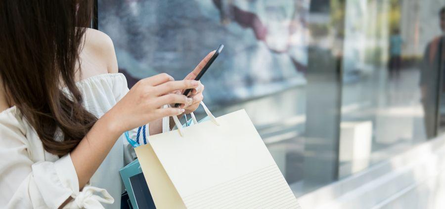 5 signes qui prouvent qu'on est complètement accro au shopping