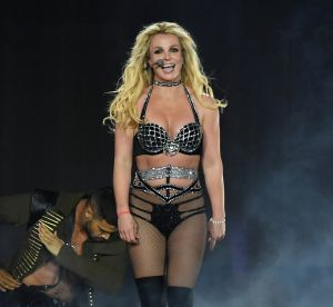 Pourquoi on soutient à fond le contouring des abdos de Britney !