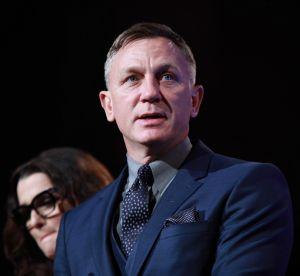 """Daniel Craig """"émasculé"""" pour avoir utilisé un porte-bébé"""
