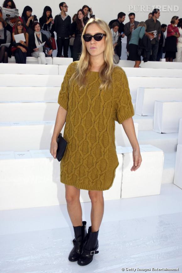 245b5389528 Chloé Sevigny maîtrise la robe over size en maille