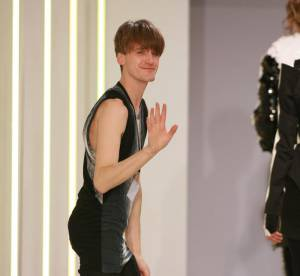 Gareth Pugh donne un avant goût de sa collection Printemps-Eté 2010