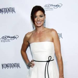 Debra Messing sur le red carpet de la soirée Pre-Emmy à Los Angeles