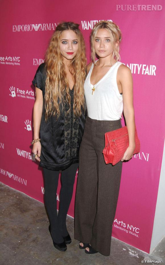 De gauche à droite : Mary Kate et Ashley Olsen